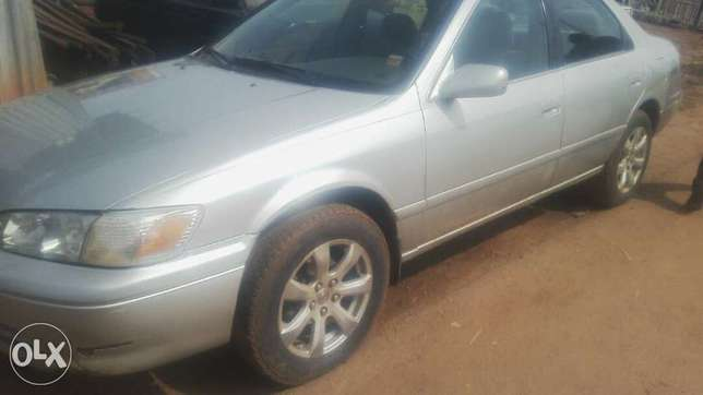 Clean registered Toyota Camry Moudi - image 4