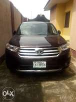 Neat 5 months Registered Toyota highylander 2012