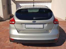Ford Focus Ecoboost Trend with 17 inch factory wheels and extras