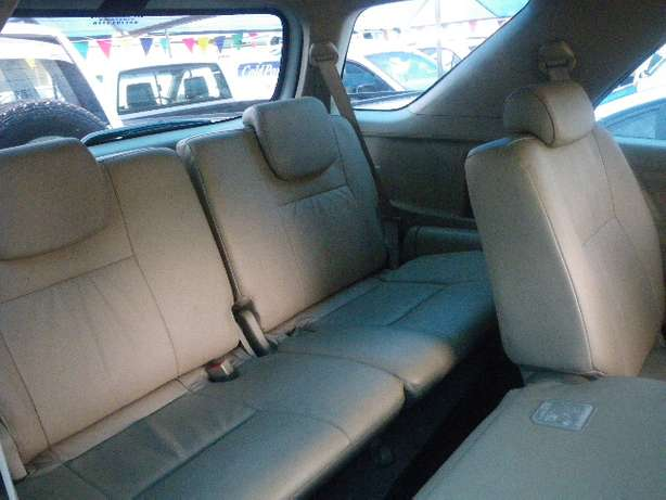 2011 Toyota Fortuner 3.0 D4D 4X4 7 Seater for R249990 Springfield - image 5