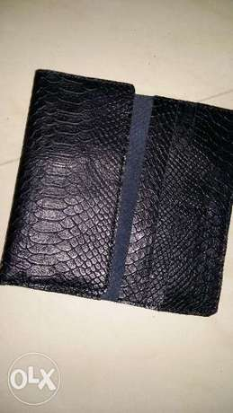 100% Pure skin leather wallet (NEW)
