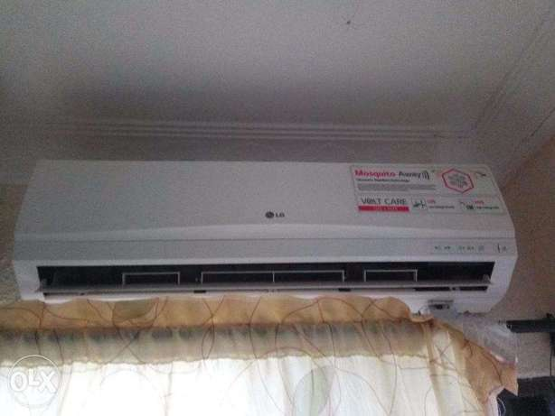 1.5 HP LG Air Conditioner - Mosquito Away And Volt Care Ibadan South West - image 1