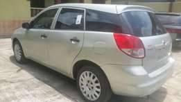 Very clean 2004 toyota matrix for sale