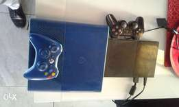 Xbox 360 and PlayStation 2 for R3500