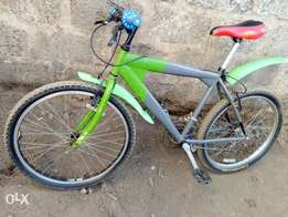 Well maintained mountain bike