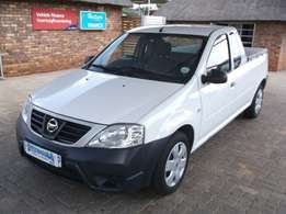 2014 Nissan NP200 A/C Safety pack P/U