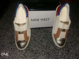 New unisex Nine West sneakers