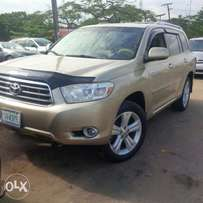 2009 Toyota Highlander 3rows Limited very clean and fresh