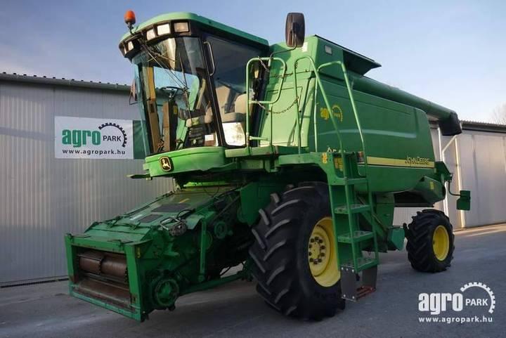 John Deere 9540 Wts (2539/3750 Hours) 5 Straw Walker Combine - 2002