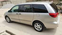 Few month used 05 Toyota sienna