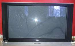 LG 42 inc Plasma TV - with BROKEN SCREEN