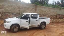 I want to buy a hilux d/cab pickup of model 2006+