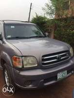 Neatly used toyota Sequoia 2005model for sale