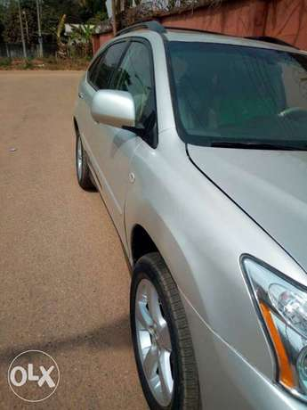 Very clean less than a year registered lexus rx330 Asaba - image 4