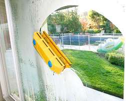 Double Sided magnetic Window Cleaner(Cleans both windows at once)