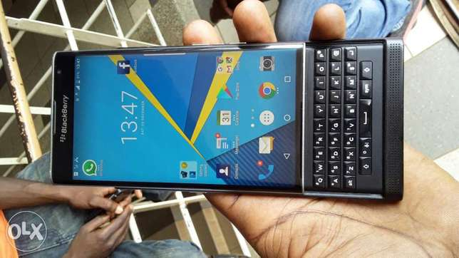 BlackBerry priv at 980,000 Kampala - image 1
