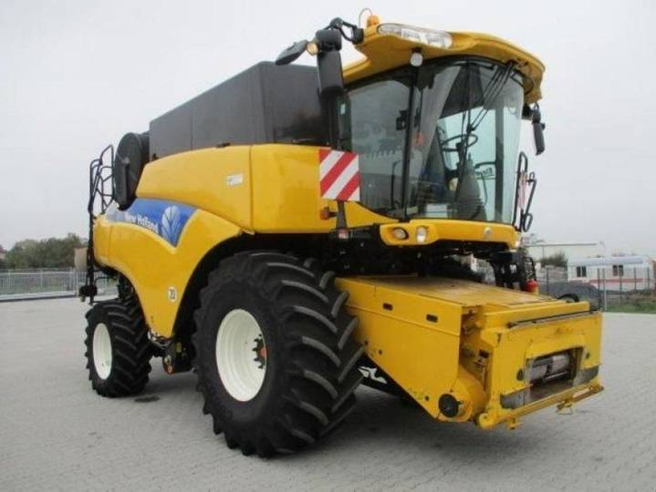 New Holland cr 9070 elevation - 2012