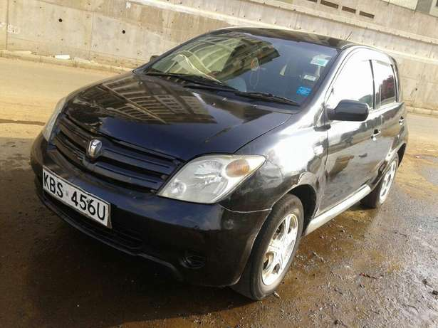 Toyota IST on offer 2005 Nairobi CBD - image 1