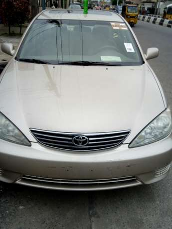 This Toyota Camry 2005 is for sale Surulere - image 5