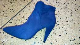 Suede boots for sale!