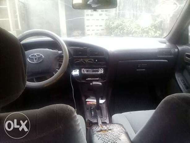 NEATLY USED TOYOTA CAMRY ,aka orobo for quick sale Ijebu Ode - image 7