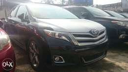 Clean black Toyota Venza 2014 for sale