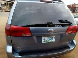 Used Toyota Sienna for sale 2005 model