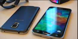 Clean Samsung S5 with Free Charger