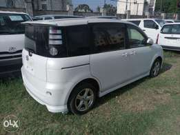 Clean white 2wd Sienta 2010 model Toyota KCP