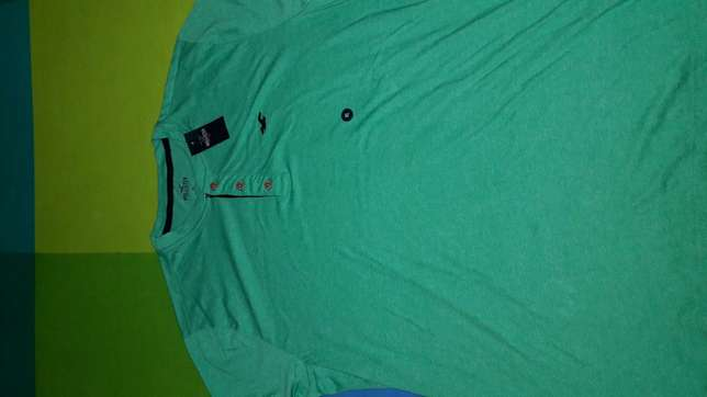 Hollister Tshirts. Authentic from U.S.A. SIZE XL. BRAND NEW. South B - image 5