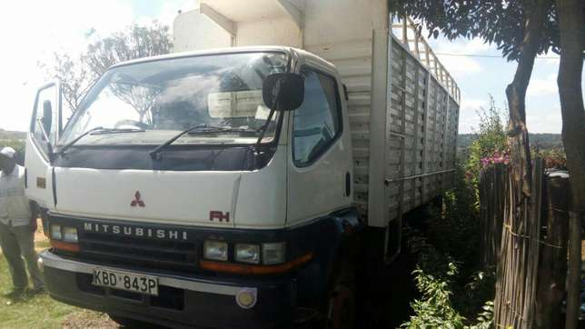 Quick sale! Extremely clean Mitsubishi FH KBD truck available at 2.4m Nairobi CBD - image 2