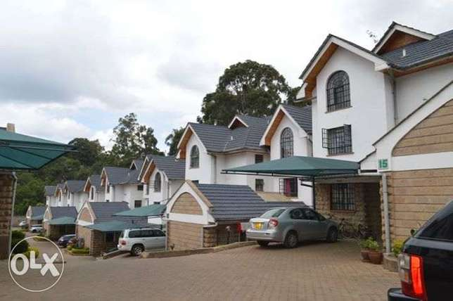 Lavington Luxurious 5 Bedroom Plus SQ All Ensuite Available For Sale Lavington - image 1