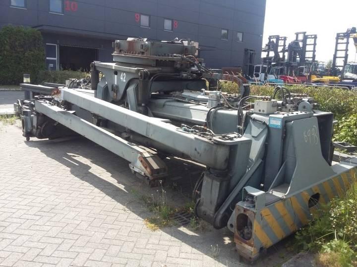 Elme 857-8547 (spreader)  equipment - 2003