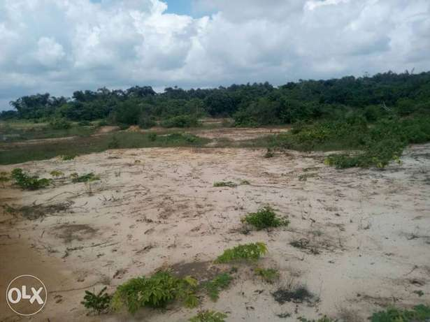 Buy a plot in a private owned estate land. Buy and be at peace. Ibeju - image 4