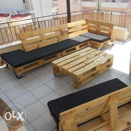 Set indoor and outdoor table wood Pallet Creativesجلوس طبالي كنبة
