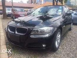 Bmw 320i 2010 leather alloys foglights 2000cc tiptronic