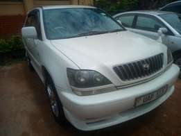 Toyota harrier model 1999 white colour in excellent condition 2.2cc