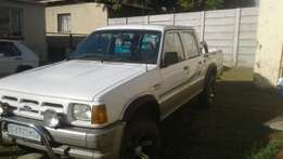 96 Ford Courier Dubbel Cab 4 x 4 V6