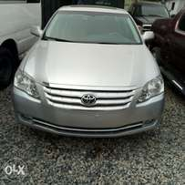 A super clean and sound Toyota Avalon 2005model registered