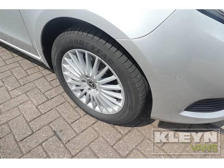 Mercedes-Benz V-KLASSE 220 CDI lang led 8-persoons - 2018 - image 10