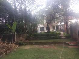 Specious 4bedrooms house. 1br G-wing, nice garden, gated community wit