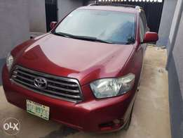 Super clean American spec Toyota Highlander 09 for sale!