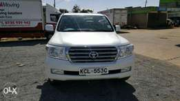 Toyota land cruiser V8 2010 model. KCL number Loaded with Alloy rims