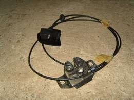 PT Cruiser Cable and catch for bonnet