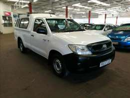 2009 Toyota Hilux 2.0 VVTi with 149000kms, Call Sam or Bibi