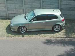 SWOP MY SEXY Alfa Romeo for what you have + R10 000..