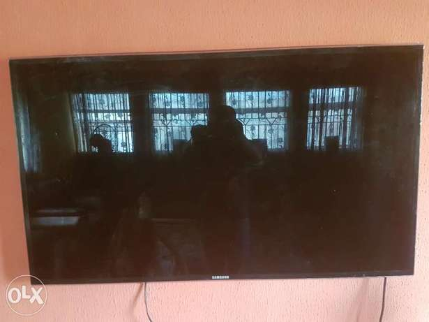 """Very Clean Samsung smart 3D TV""""55inch Ibadan Central - image 1"""