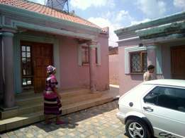 House for sale in Kaalfontein cash only.