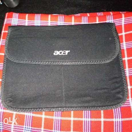 "ACER ASPIRE ONE Model 10.1"" Intel Atom 100GB HD 1GB RAM W Bag/Charger City Centre - image 1"