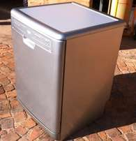 35. Whirlpool 12 Place Dishwasher ADP 3315 SL